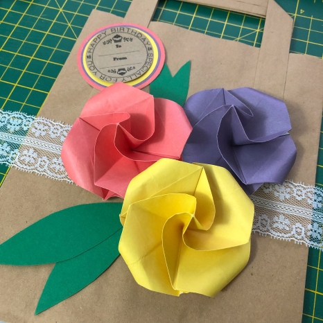 origami flower gift bag layout