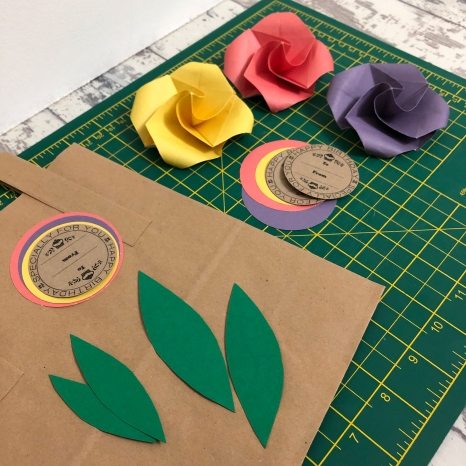 origami flower gift bag parts